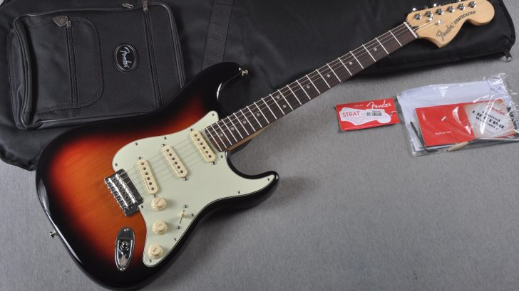 fender-deluxe-roadhouse-strat-2016